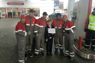 Lukoil drivers and footballers attend petrol station