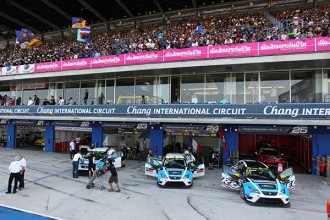 A six-car line-up for Target Competition in Macau