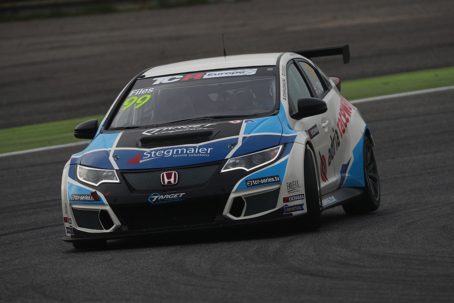 TCR Europe - Tarquini sets pole, but Files scores
