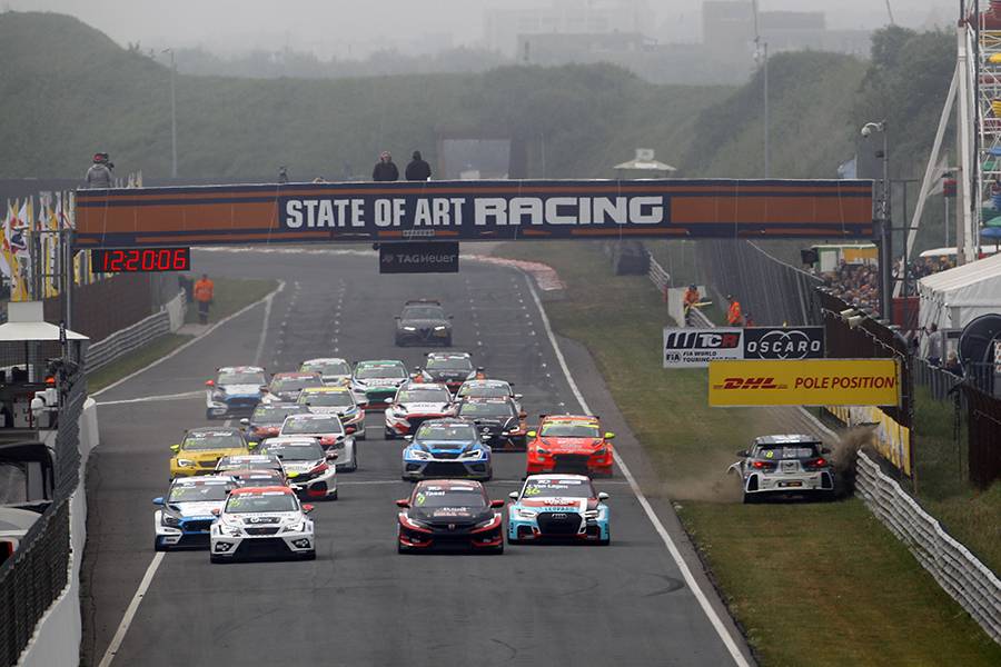 Azcona wins Race 1 after a pile-up at the start - TCR HUB