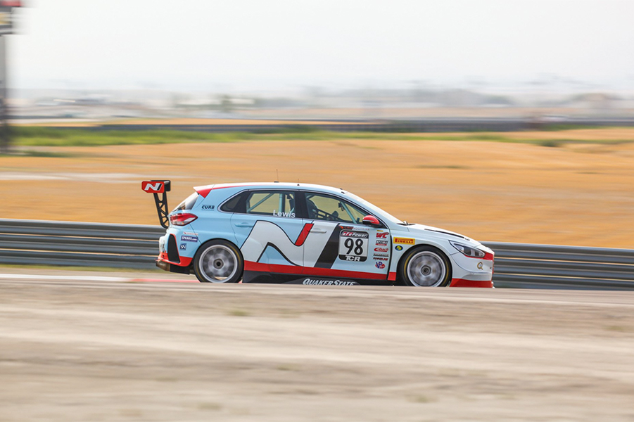 Lewis fastest in Qualifying at Utah Motorsport Campus