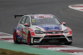 Luca Engstler clinches the TCR Asia title