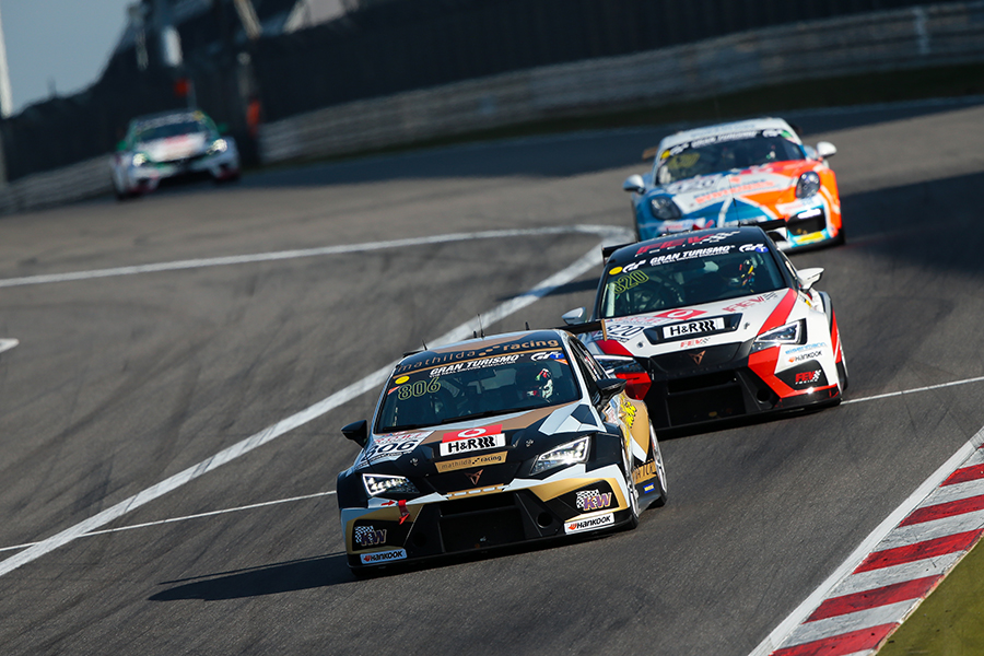 Mathilda Racing returns to victory on the Nordschleife