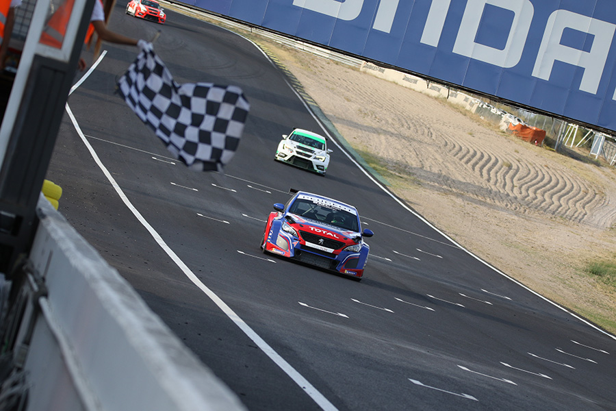 Winning debut in the CER for the Peugeot 308