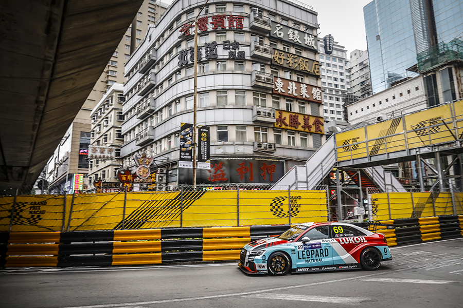 Vernay wins Macau Race 1 from Muller and Huff