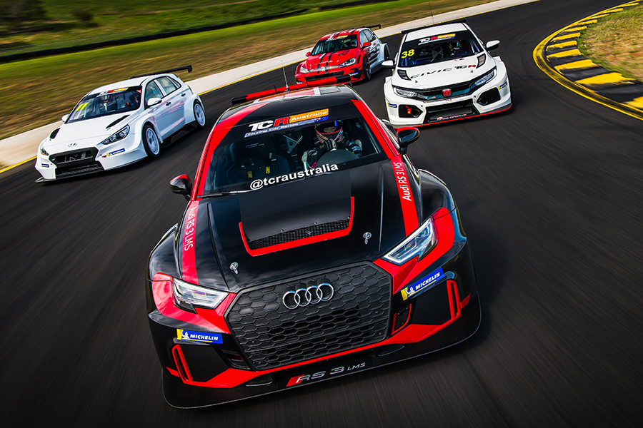 Australian drivers discover TCR at Sidney Motorsport Park
