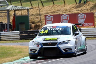 Carl Swift joins TCR UK's opening event at Oulton Park