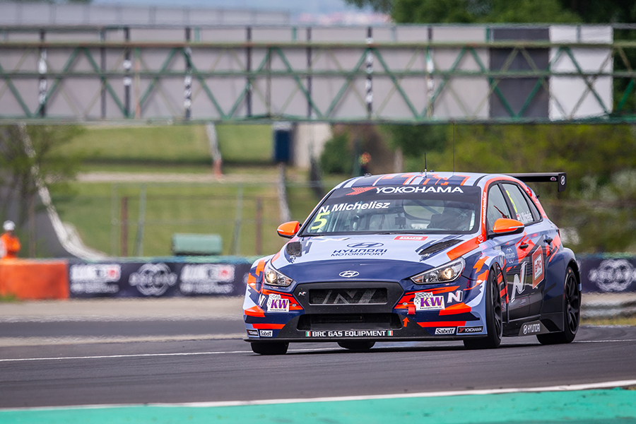 Local hero Michelisz to start from pole in Race 3