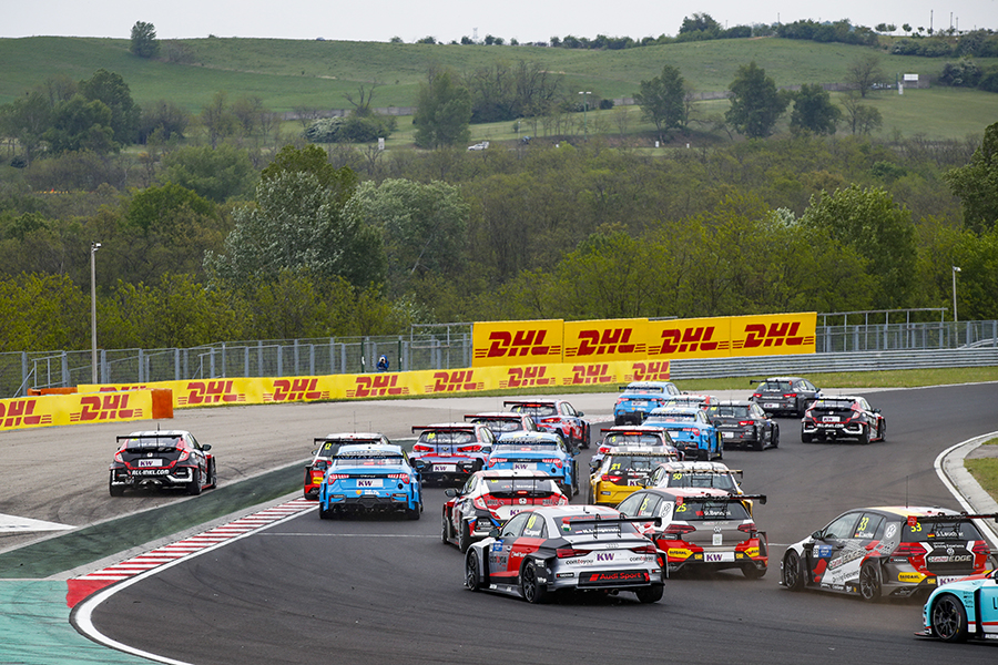 The FIA World Cup resumes at the Slovakiaring