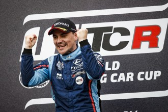 Michelisz clinches the title as Kristoffersson wins Race 3