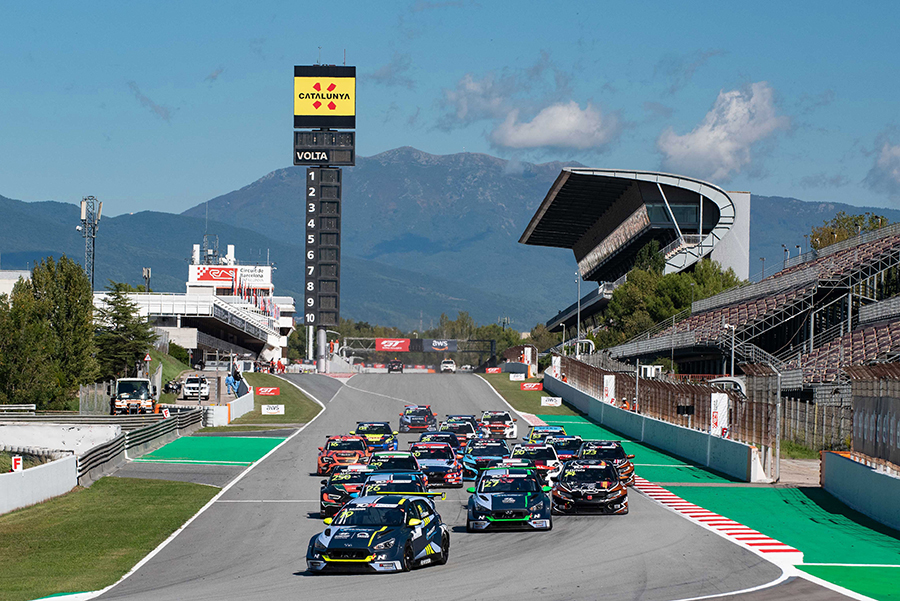 The 2021 TCR Europe's calendar was unveiled   TCR HUB