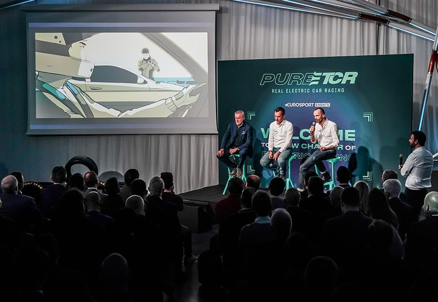 PURE ETCR launches new chapter in electric car racing