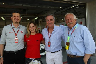 Carlos Sainz visits old friends in TCR paddock