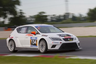 TCR cars dominate 24H Slovakia Ring