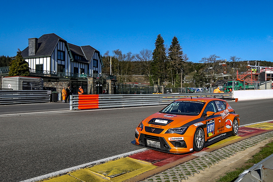 The Red Camel-Jordans.nl CUPRA wins the 12H Spa