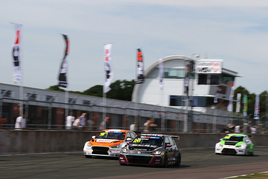 2019 TCR UK season begins at Oulton Park