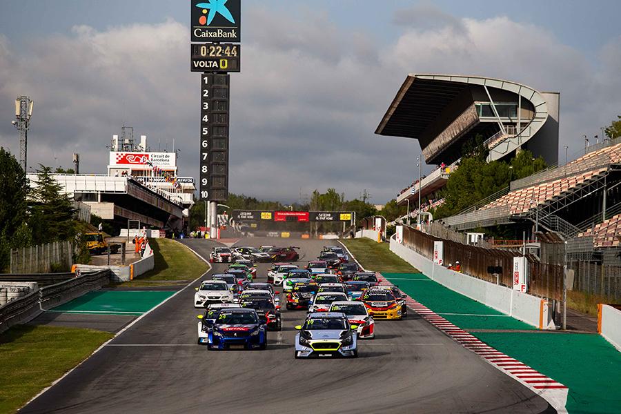 Julien Briché Wins A Chaotic Race 1 In Barcelona