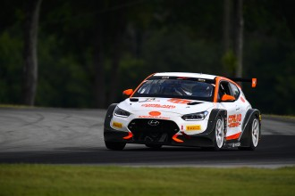 Maxson takes lights-to-flag win in Race 1 at VIR
