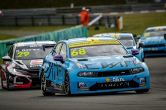 Ehrlacher extends points lead with Lynk & Co 1-2 in Race 2