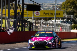 Mostert completes a hat trick in TCR Australia at Bathurst